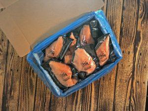 boite-de-poitrines-de-poulet-emballees-sous-vide-individuellement